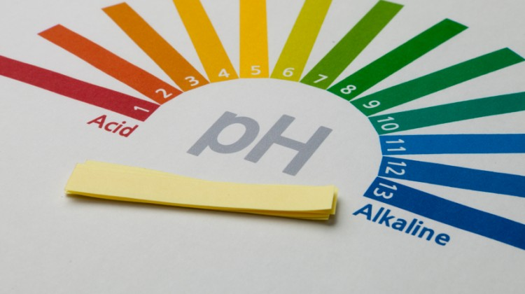 Measuring pH when cleaning carpet